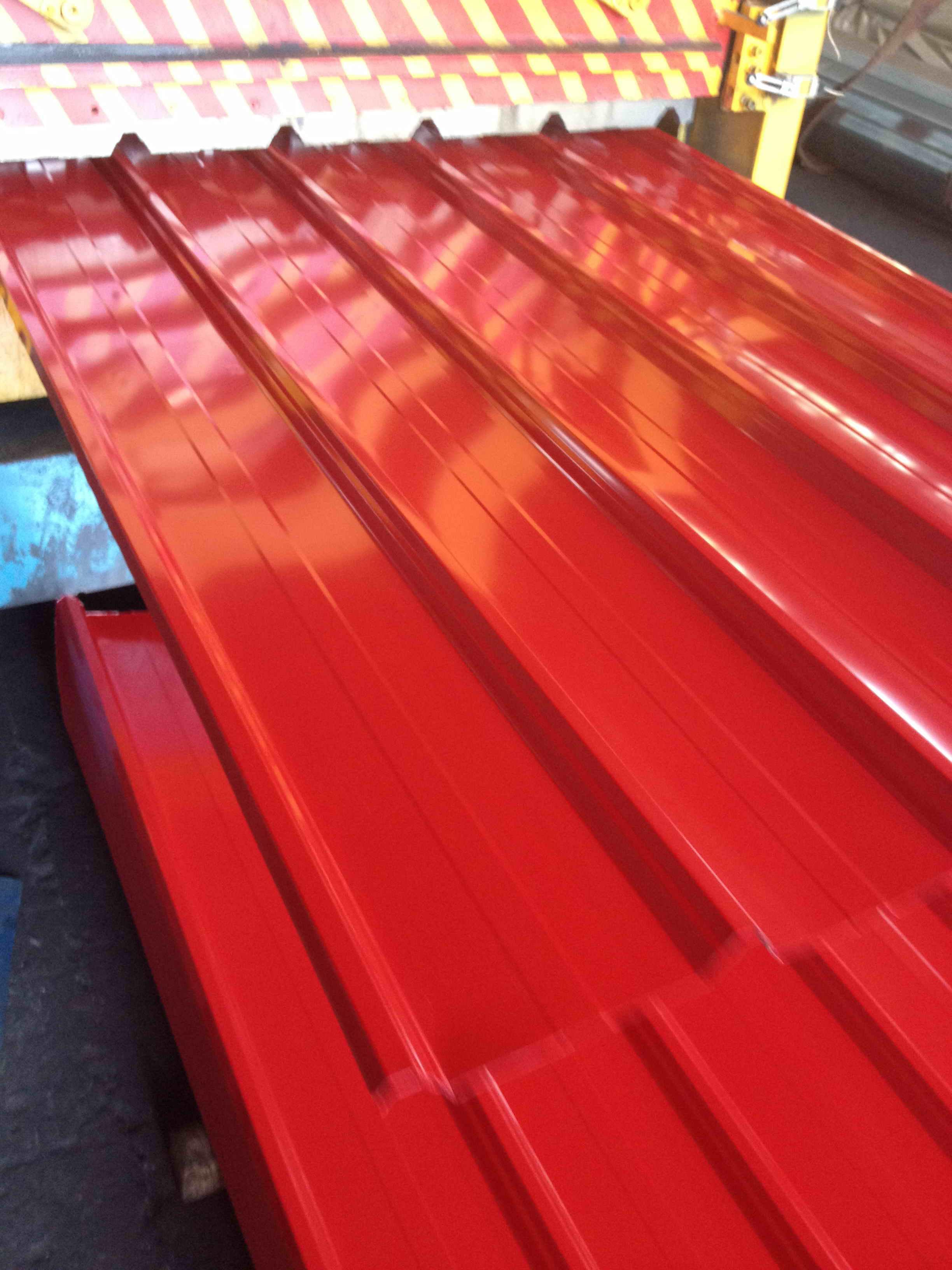 corrugated metal roofing sheet.jpg